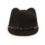 Черна шапка с ушички Meow