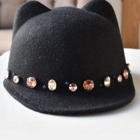 Черна шапка с ушички с кристали meow 2