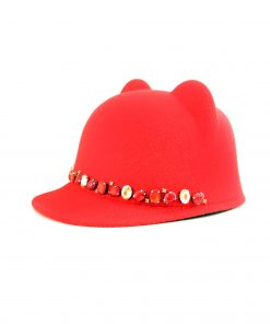 червена шапка с ушички meow с кристали ръчна изработка